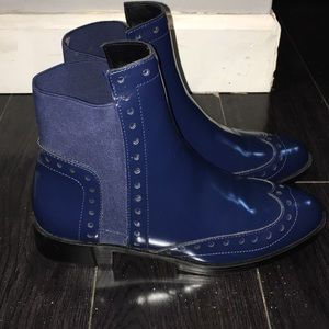Patent Navy Chelsea Boots!